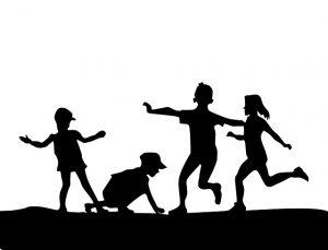 子供が遊んでいる風景