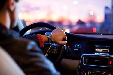 運転する写真