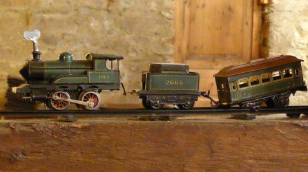 電車のおもちゃの写真